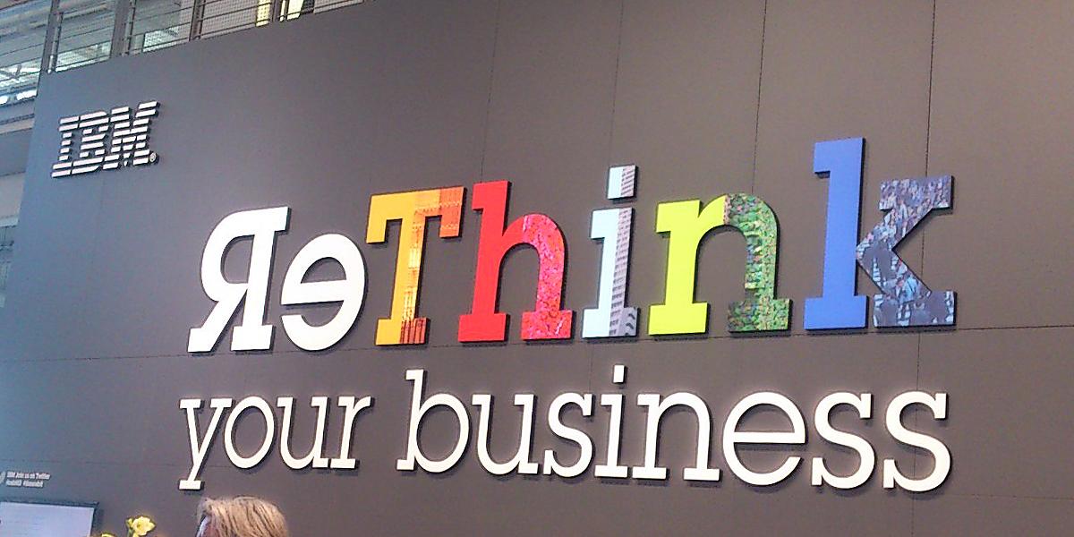 """Slogan """"ReThink"""" am Stand von IBM auf der CeBIT 2013"""