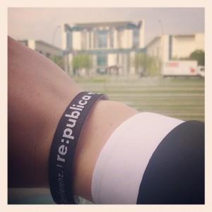 #rp13-Band vor dem Kanzleramt