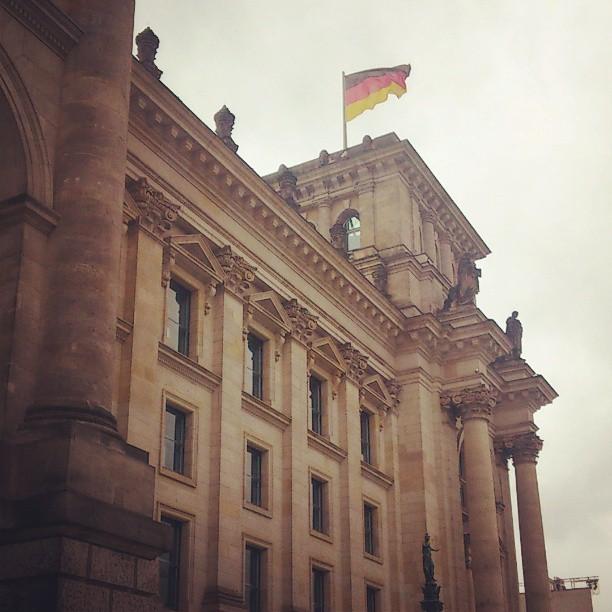 Reichstag Schwarz-Rot-Gold